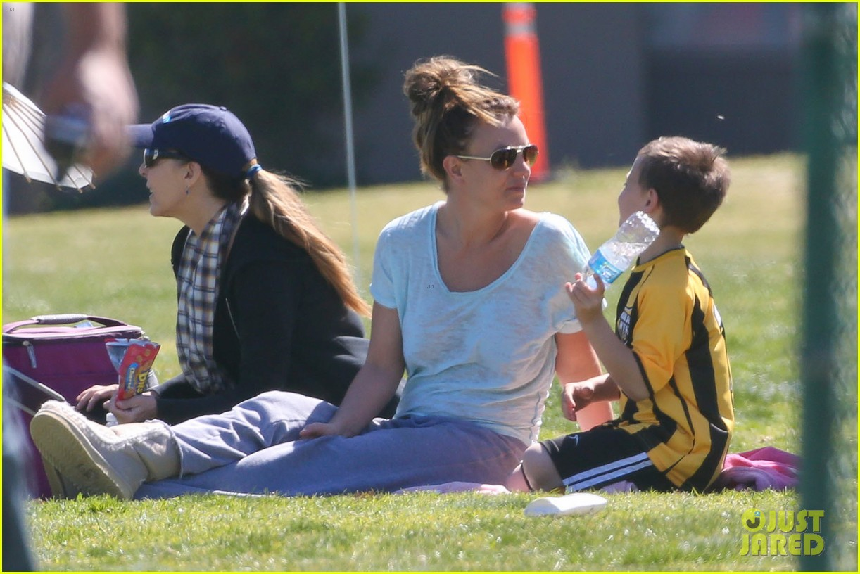 britney spears sunday soccer mom 25