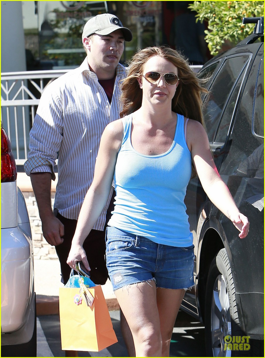 britney spears tanning with david lucado 042828975