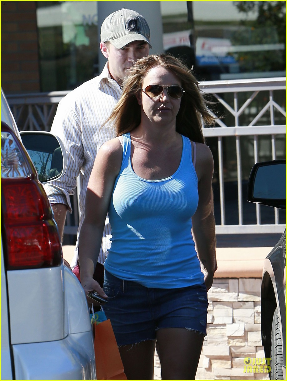britney spears tanning with david lucado 212828992