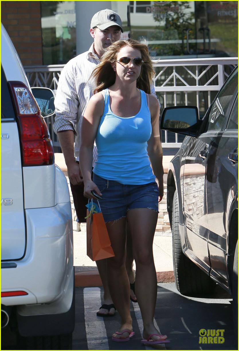 britney spears tanning with david lucado 24