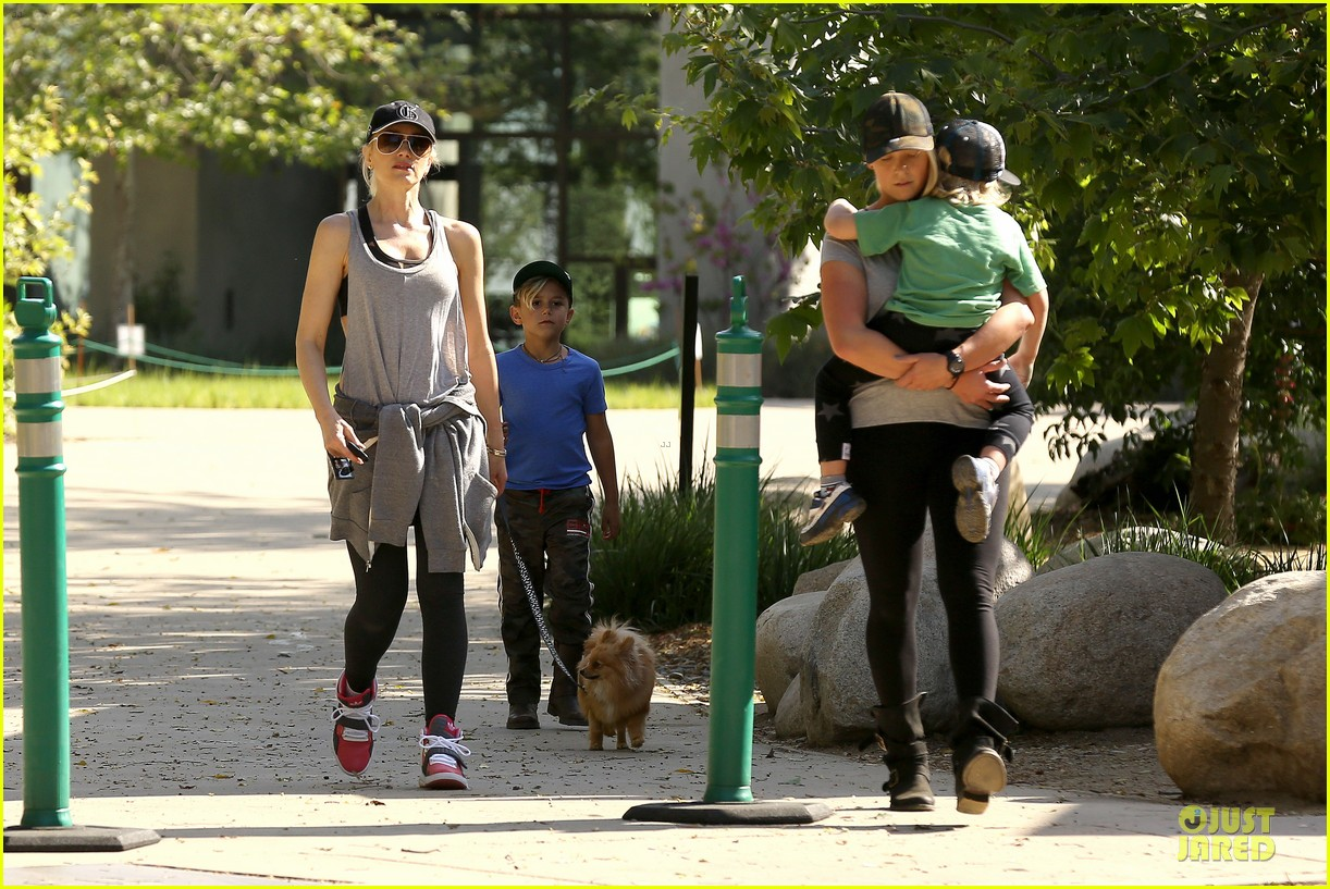 gwen stefani hiking with kingston zuma 222836251