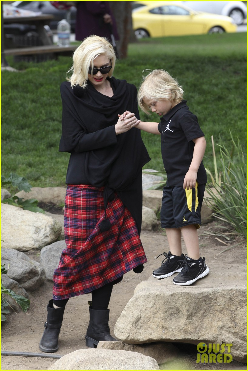 gwen stefani gavin rossdale park day with the boys 26