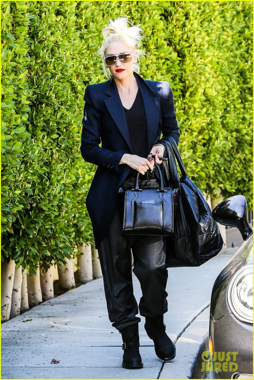 gwen stefani back in the studio with no doubt 062829967