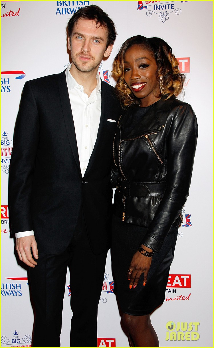 dan stevens big british invite with estelle 142835496