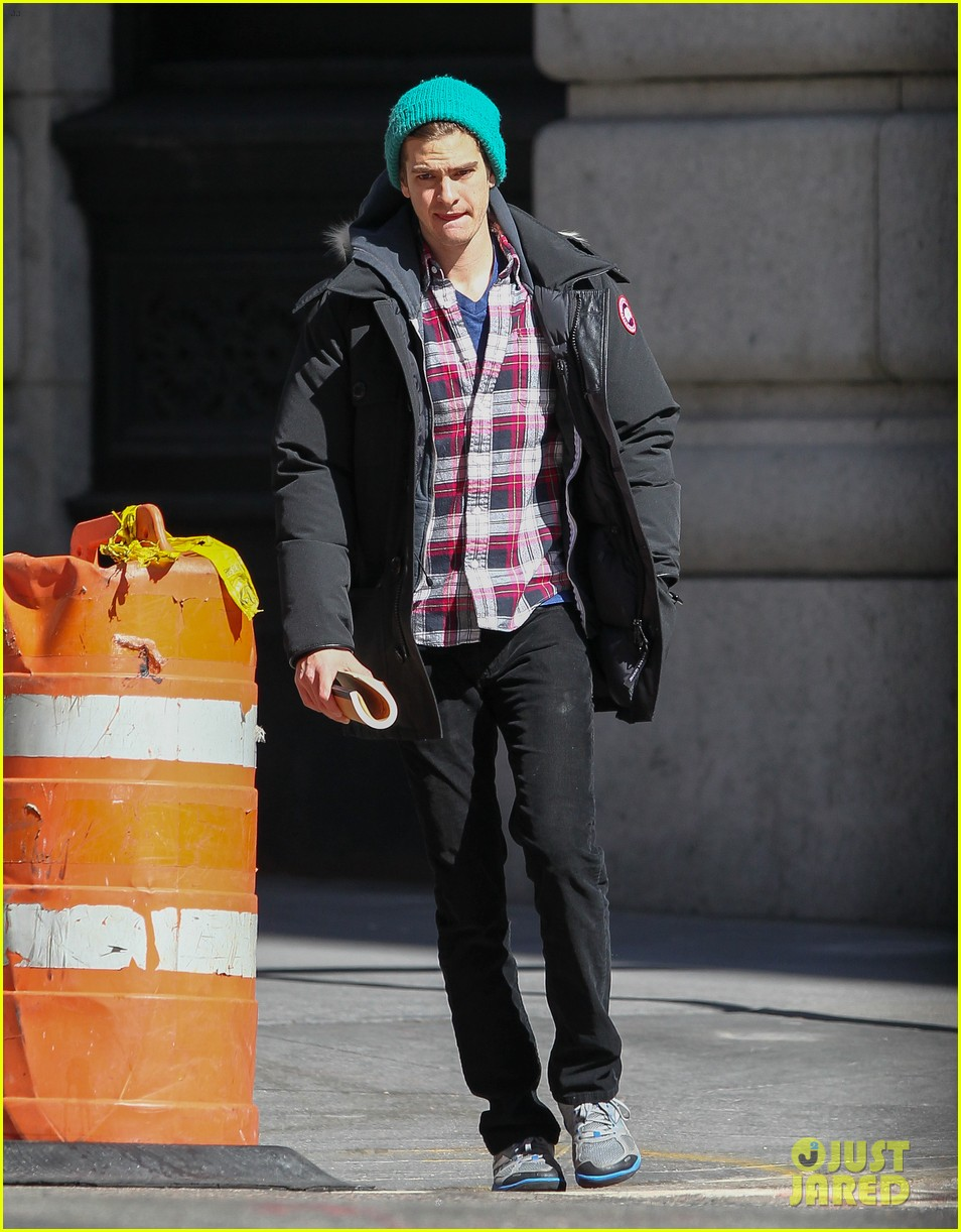 emma stone andrew garfield bundle up in canada goose 052824875