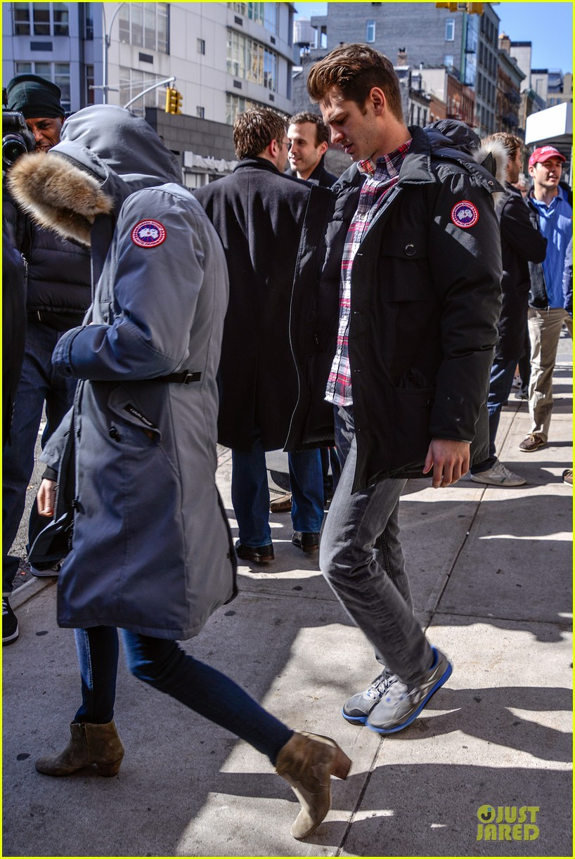 emma stone andrew garfield low profile new york outing 012824665