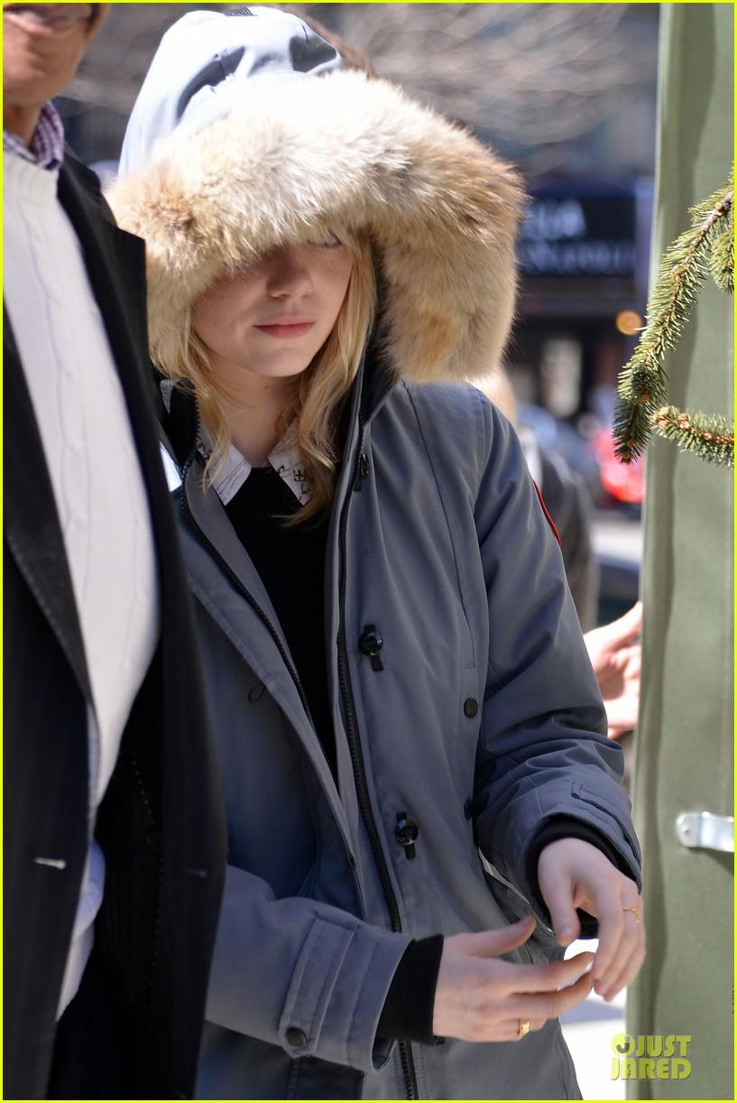 emma stone andrew garfield low profile new york outing 022824666