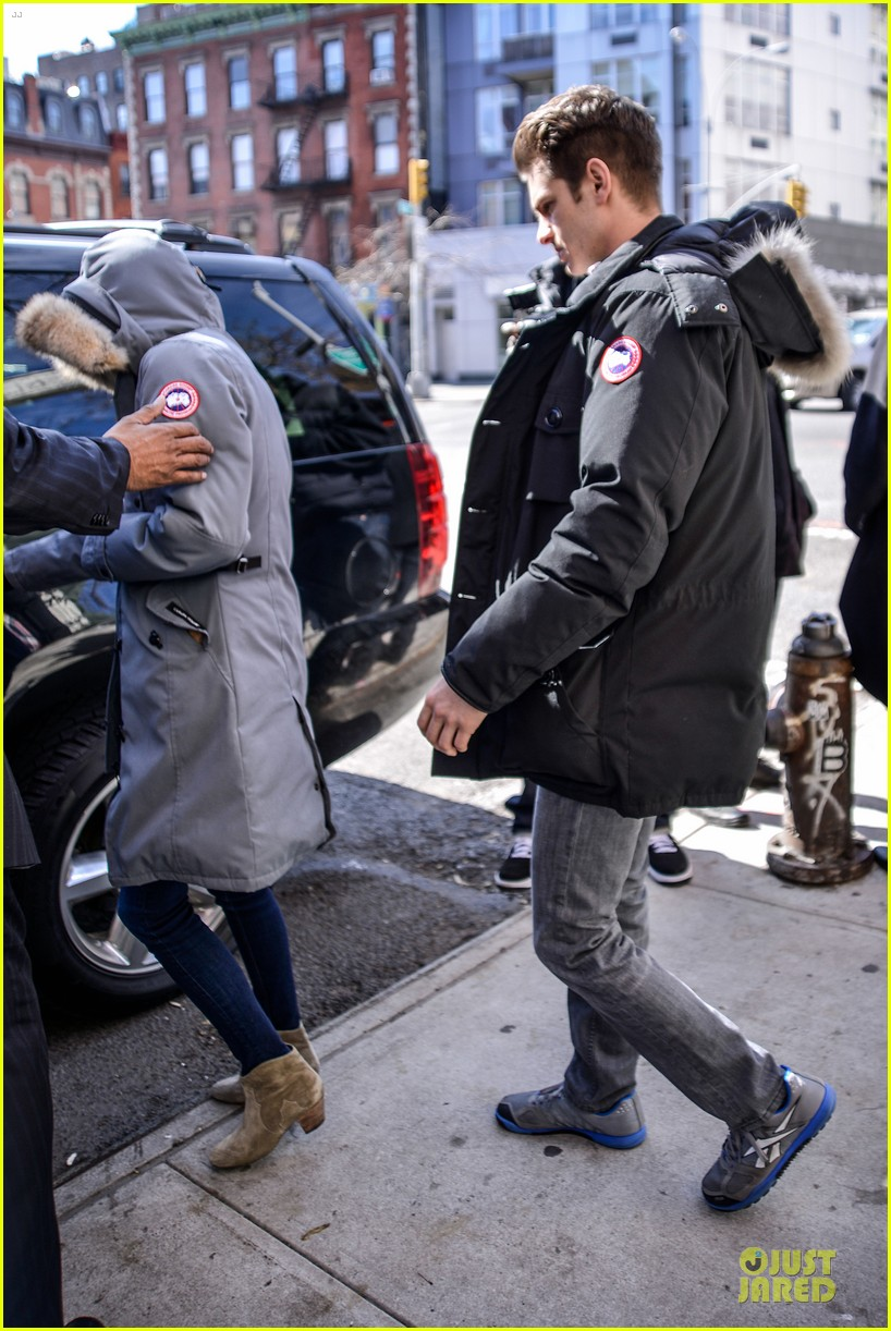 emma stone andrew garfield low profile new york outing 072824671
