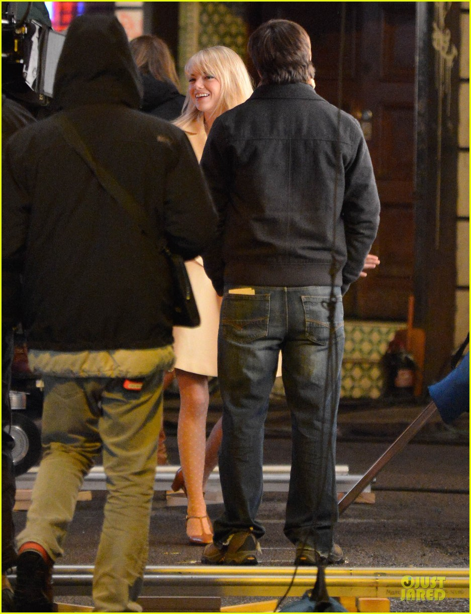 emma stone andrew garfield scene stealing couple on amazing spiderman 2 set 142823577