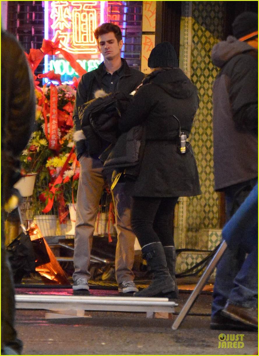 emma stone andrew garfield scene stealing couple on amazing spiderman 2 set 162823579
