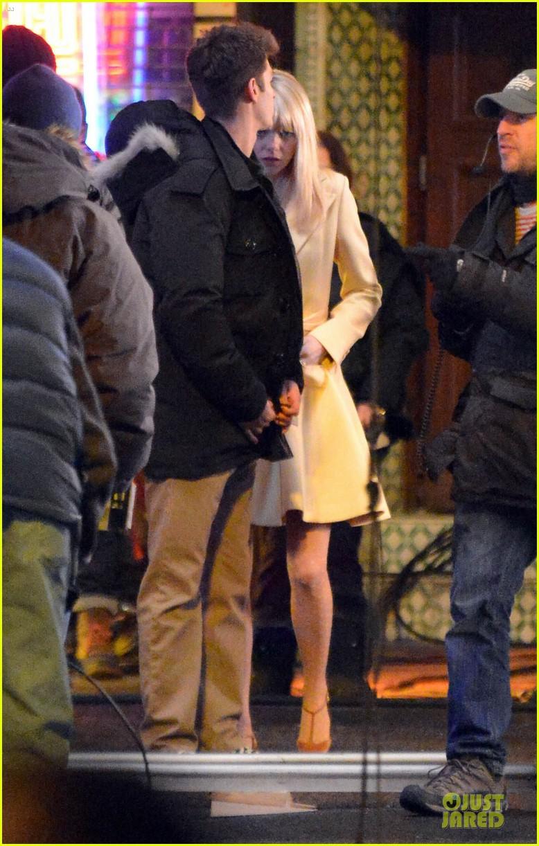 emma stone andrew garfield scene stealing couple on amazing spiderman 2 set 182823581