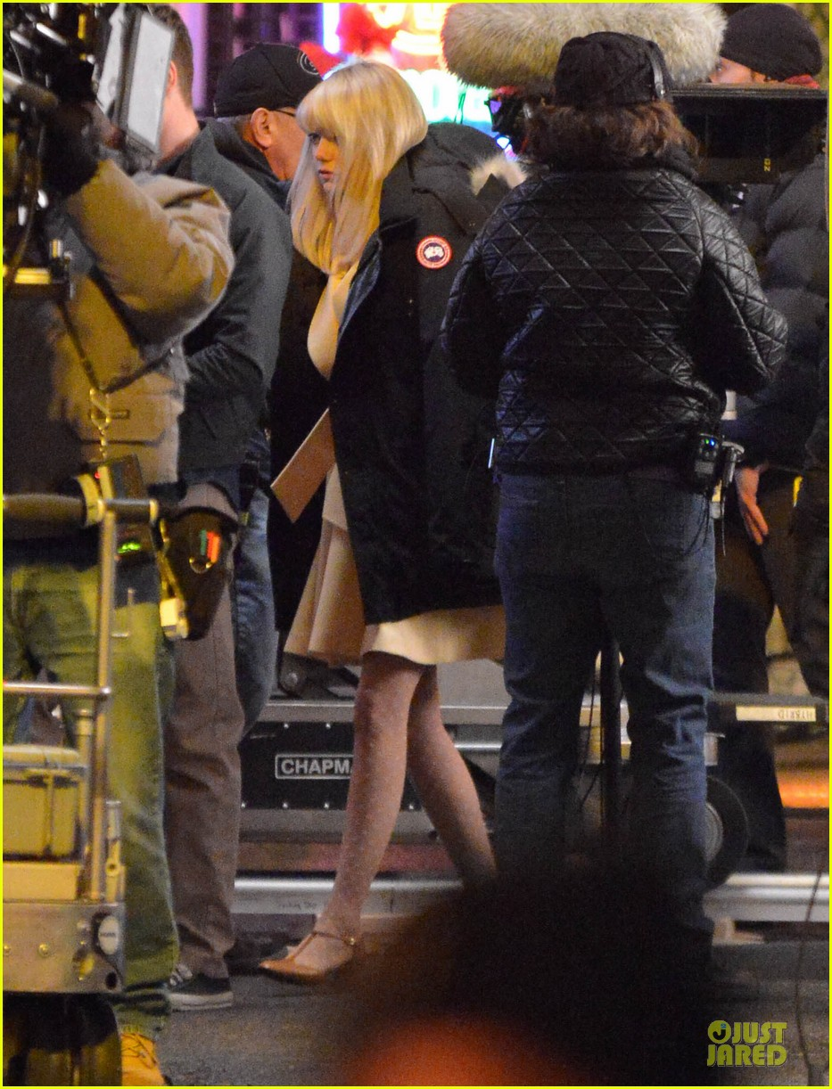 emma stone andrew garfield scene stealing couple on amazing spiderman 2 set 20