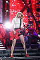 taylor swift drive by with train at newark concert video 27