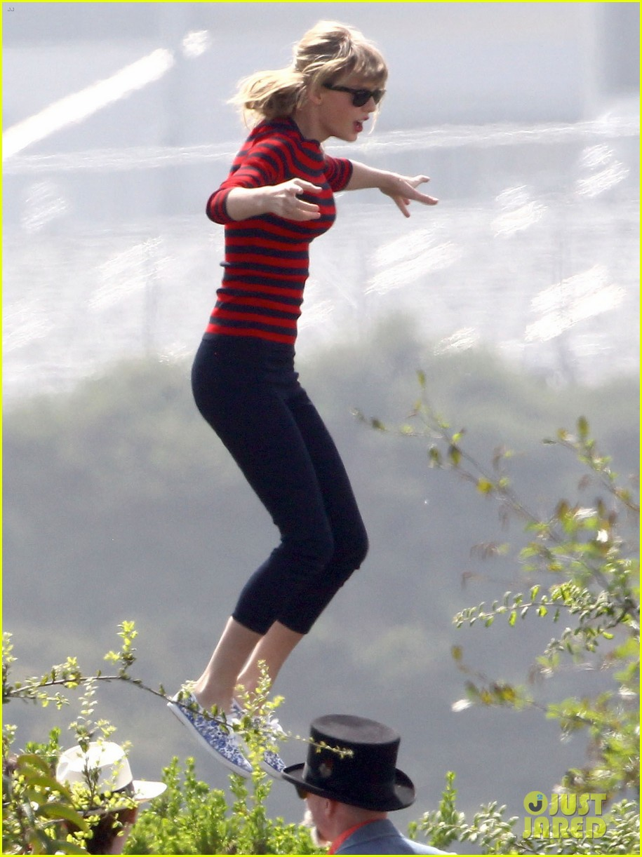 taylor swift trampoline jumper at photo shoot 102831756