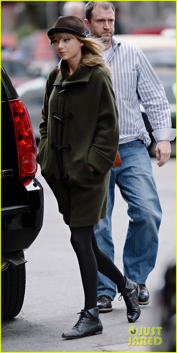taylor swift nyc arrival for red tour 022838518