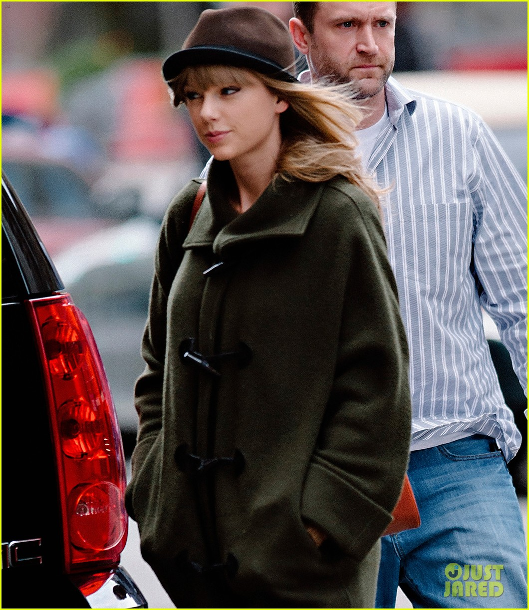 taylor swift nyc arrival for red tour 042838520