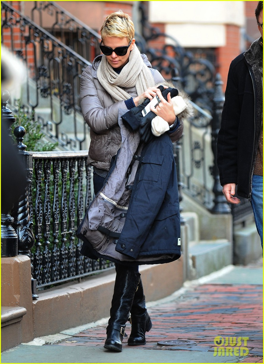 charlize theron checks in on hatfields mccoys 072833512