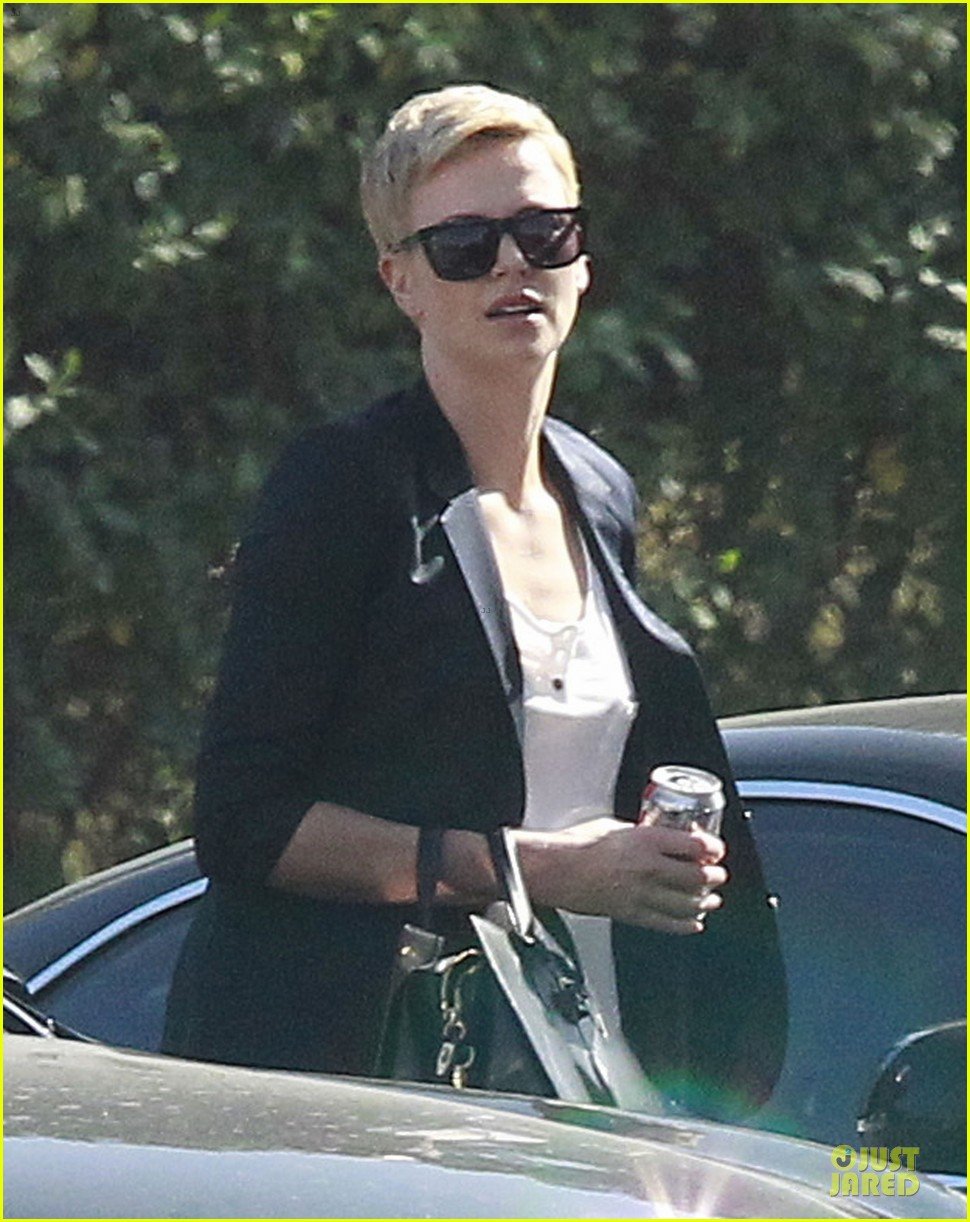 charlize theron disney studios meeting 042831337