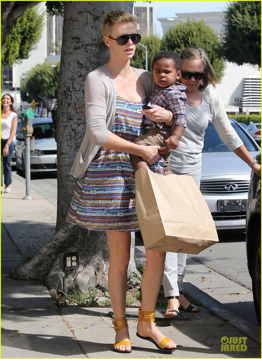 charlize theron haircut trip with jackson 15