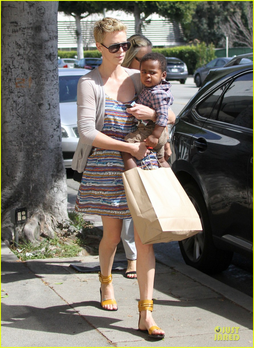 charlize theron haircut trip with jackson 23