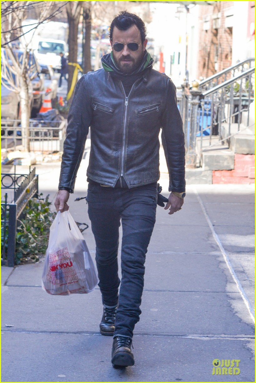 justin theroux is great guy raves chelsea handler 062827825
