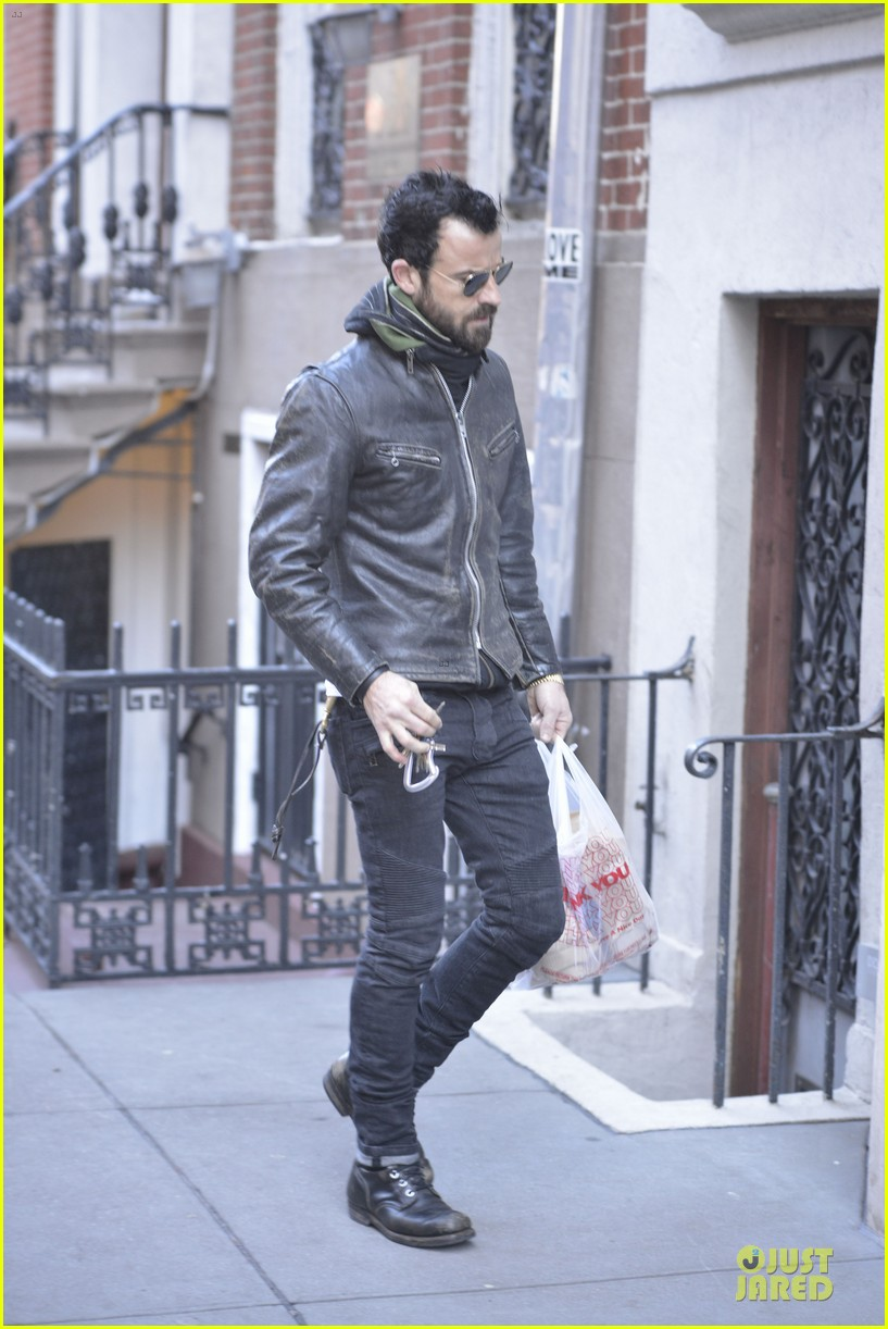 justin theroux is great guy raves chelsea handler 072827826