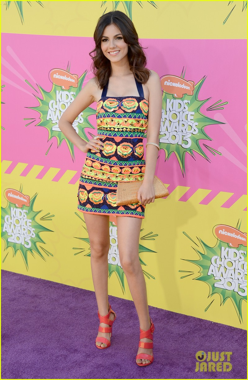 ashley tisdale victoria justice kids choice awards 2013 132836636