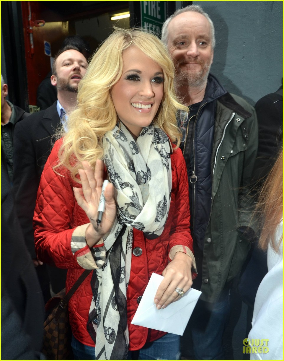 carrie underwood dublin sang every word with me 01