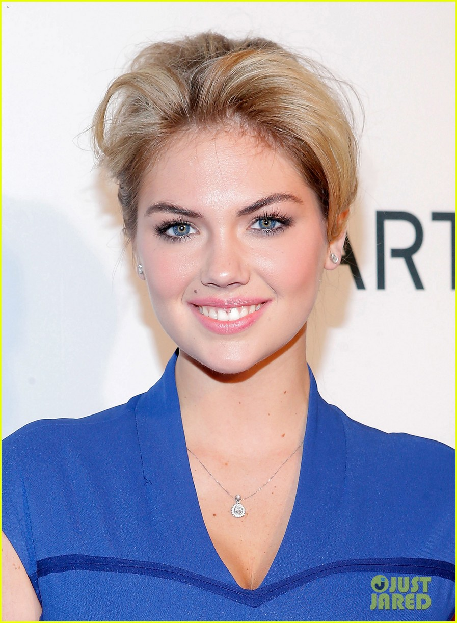 kate upton samsung spring 2013 launch party 06