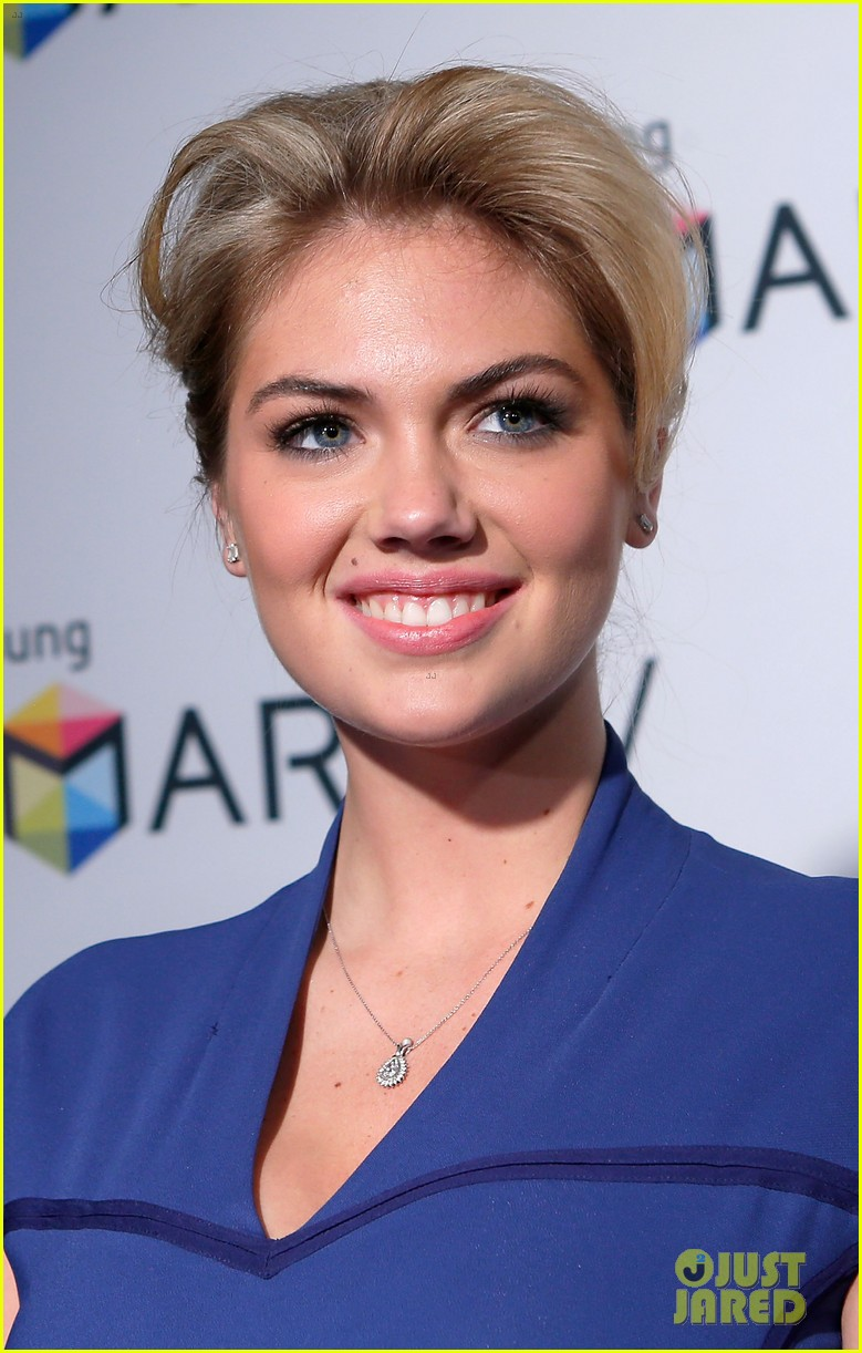 kate upton samsung spring 2013 launch party 082834847