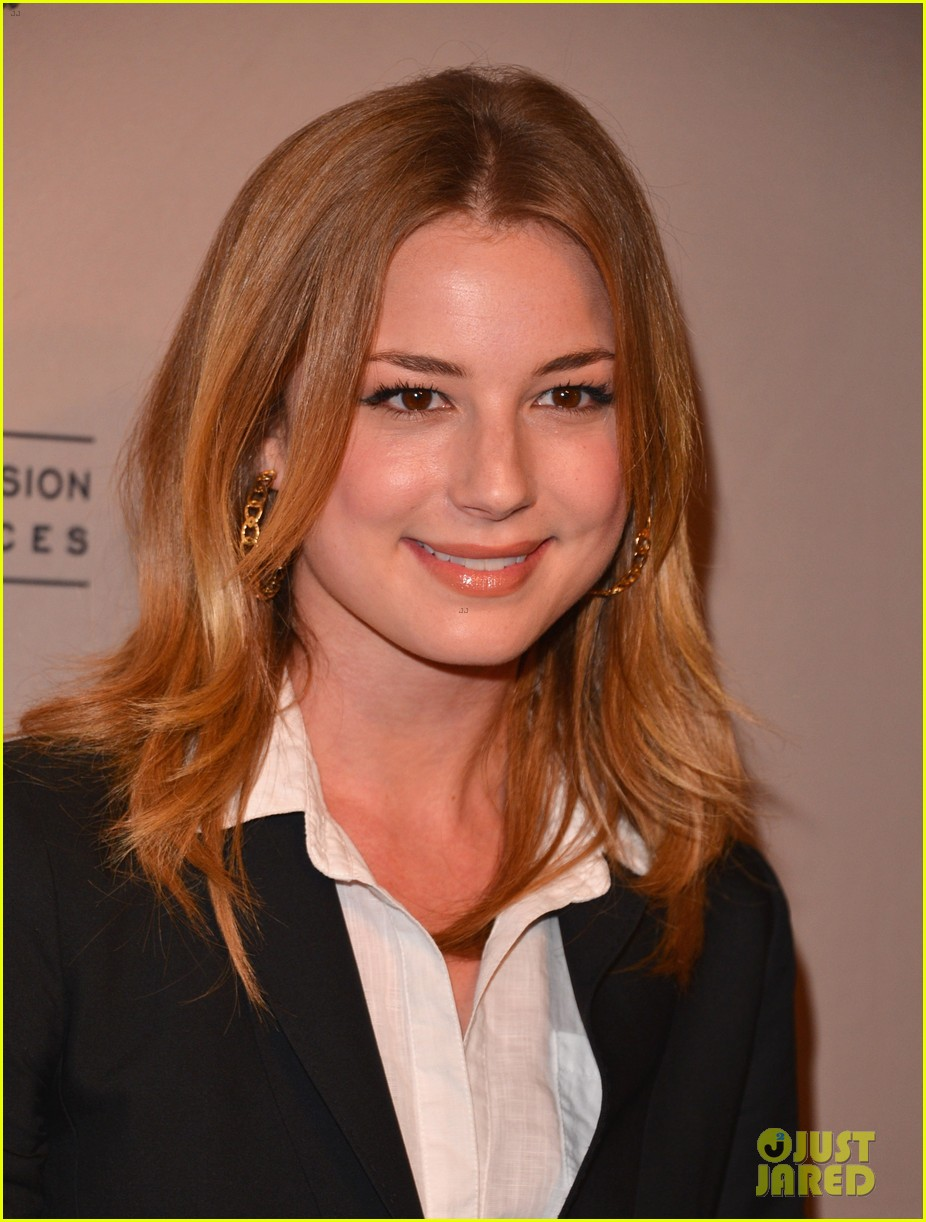 emily vancamp ashley madekwe revenge paleyfest panel 33
