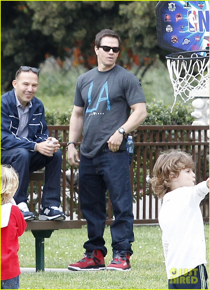 mark wahlberg coldwater canyon park with brendan 042834473