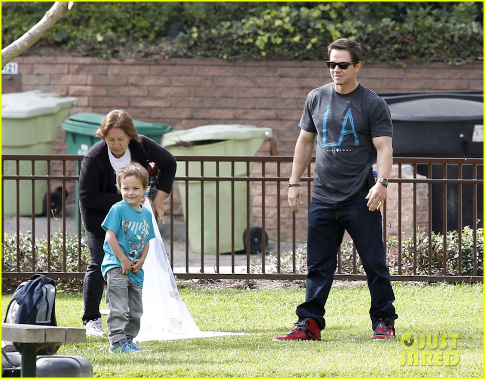 mark wahlberg coldwater canyon park with brendan 112834480
