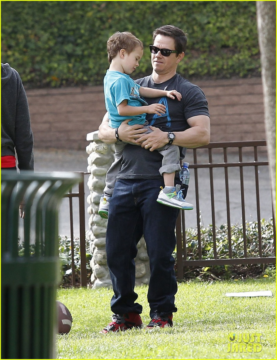 mark wahlberg coldwater canyon park with brendan 132834482