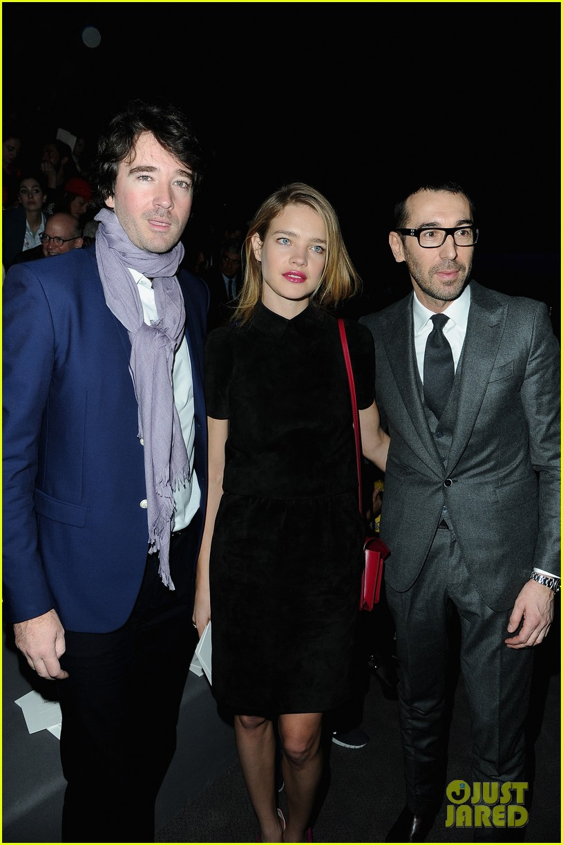 naomi watts jessica chastain louis vuitton fashion show 23