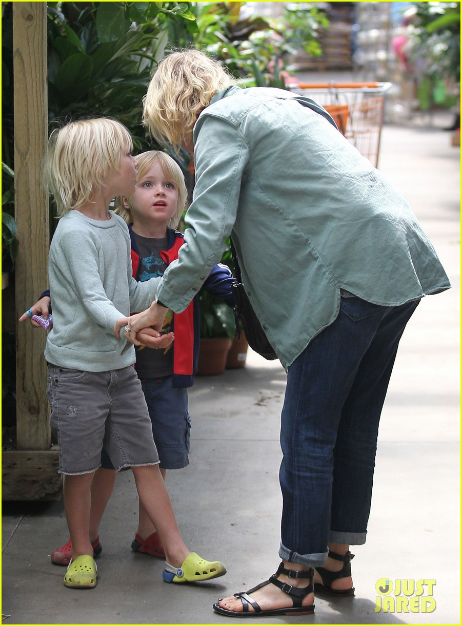 naomi watts liev schreiber saturday family errands 052840880