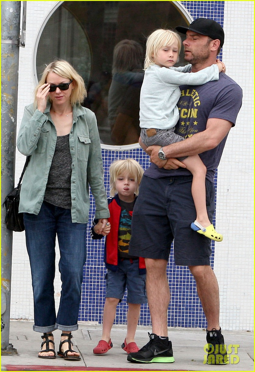 naomi watts liev schreiber saturday family errands 072840882