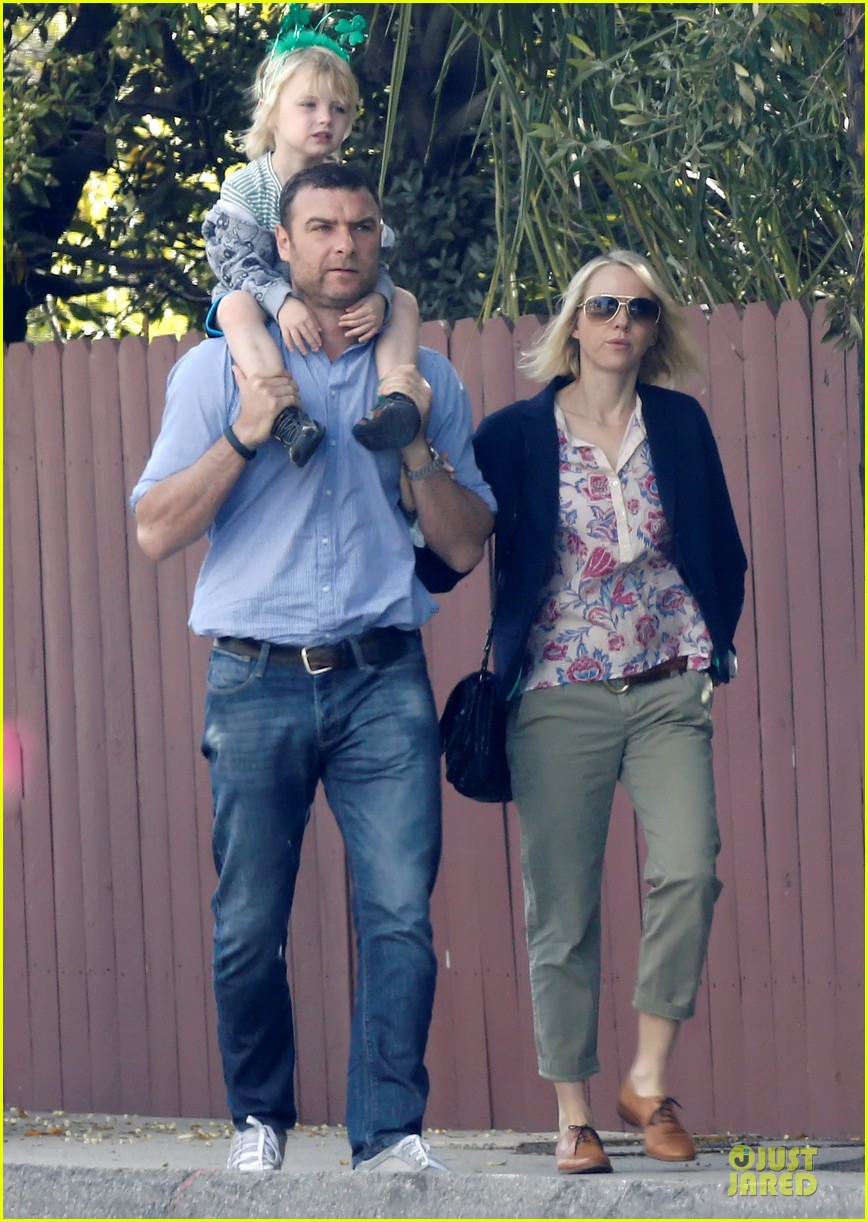 naomi watts brentwood country mart couple 052836006