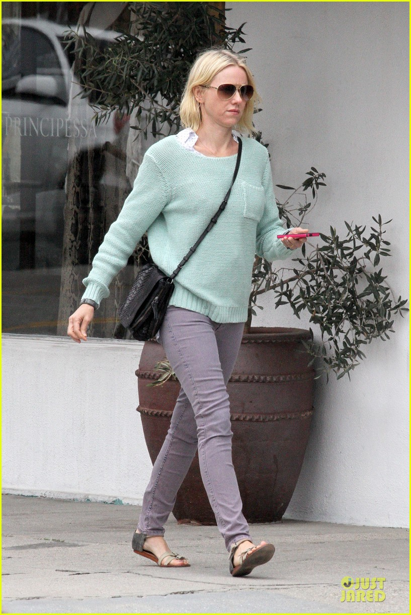 naomi watts neighboring visit with the boys 072831445