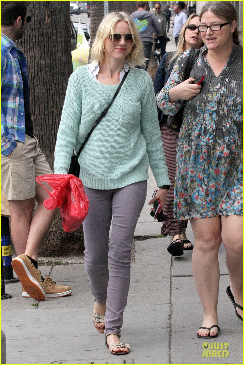 naomi watts neighboring visit with the boys 172831455