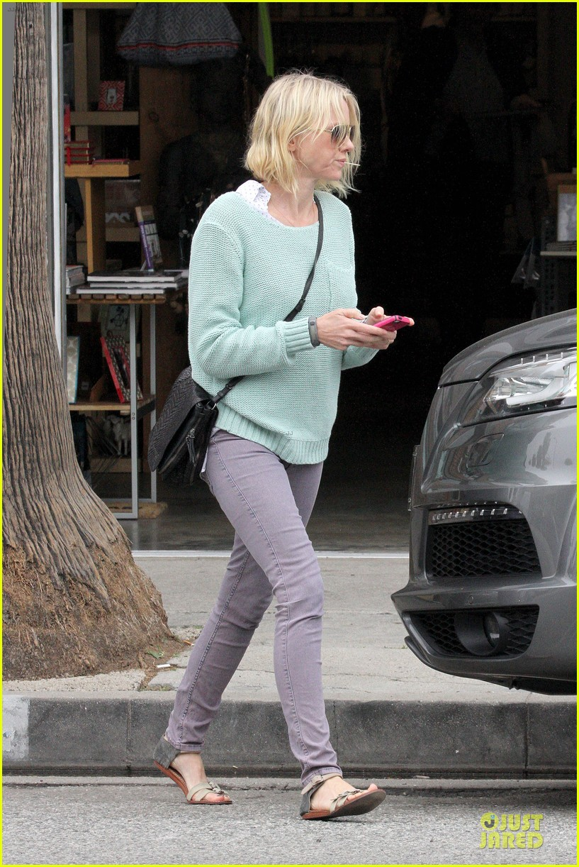 naomi watts neighboring visit with the boys 202831458
