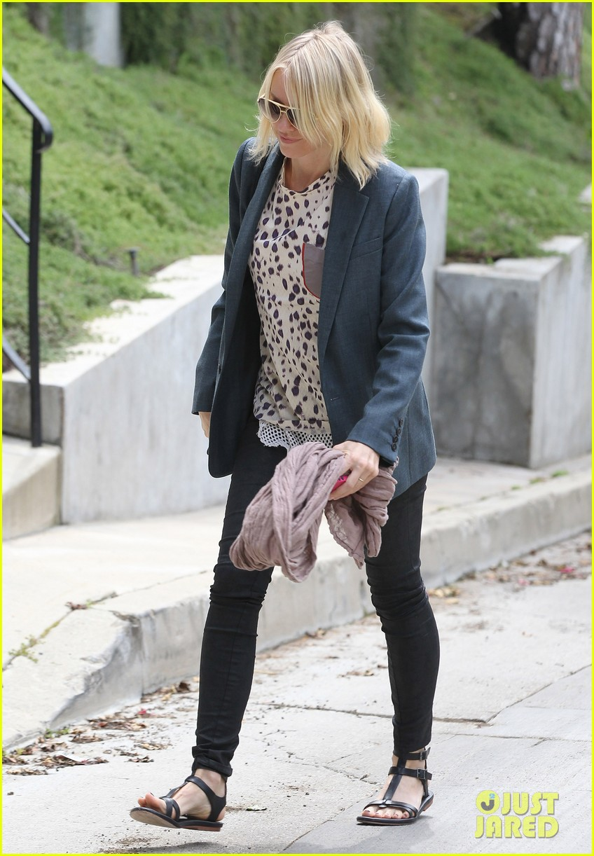 naomi watts liev schreiber separate sunny outings 082834992