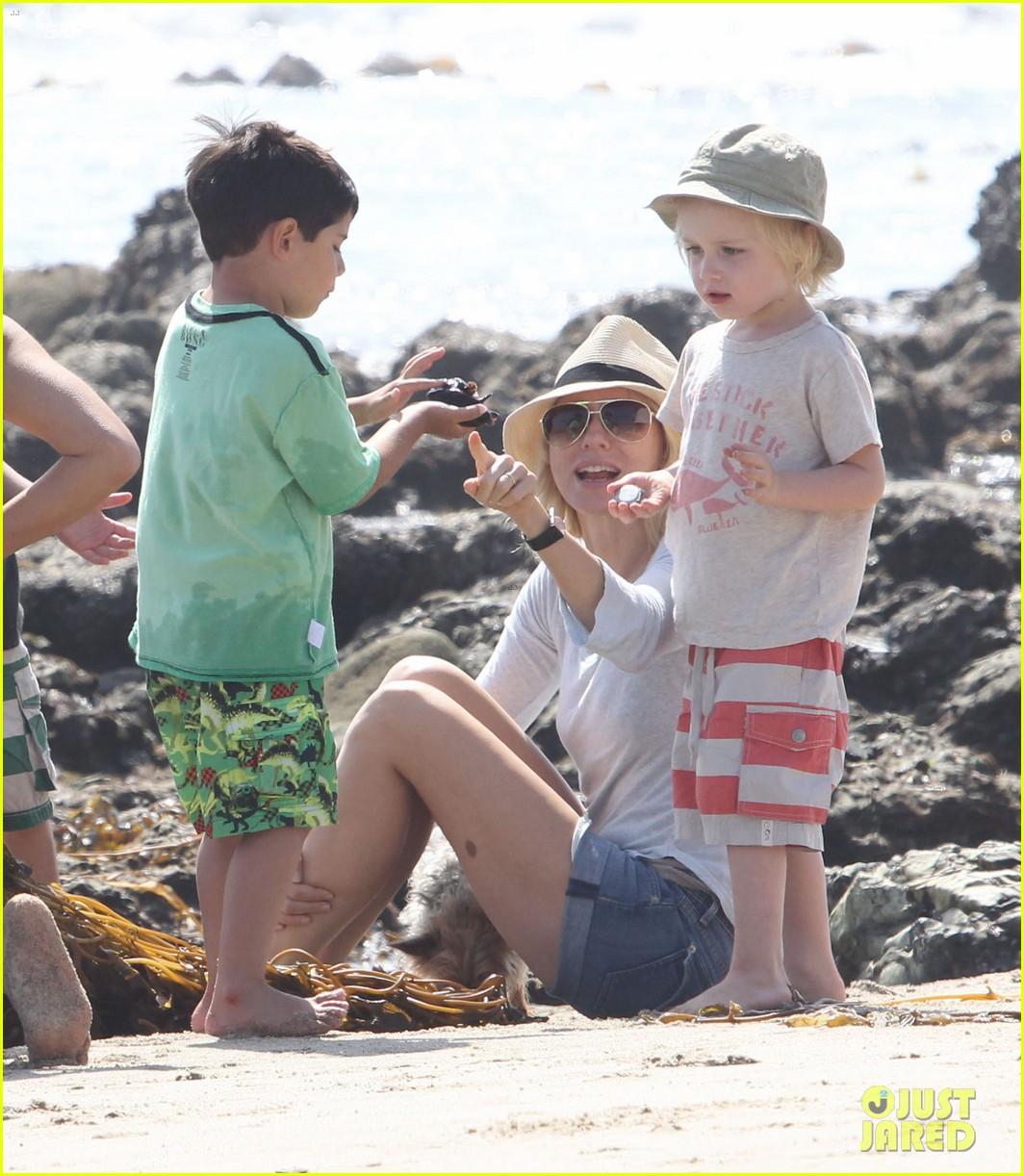 naomi watts shirtless liev schreiber family beach day 152836802