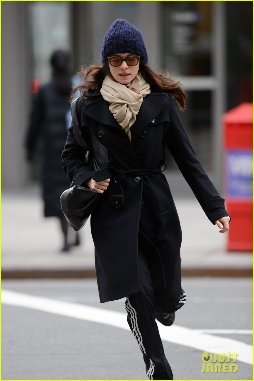 rachel weisz prefers making independent movies 15