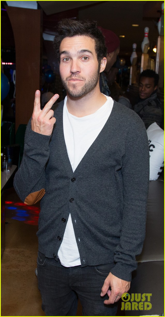 pete wentz william stars strikes charity event 01