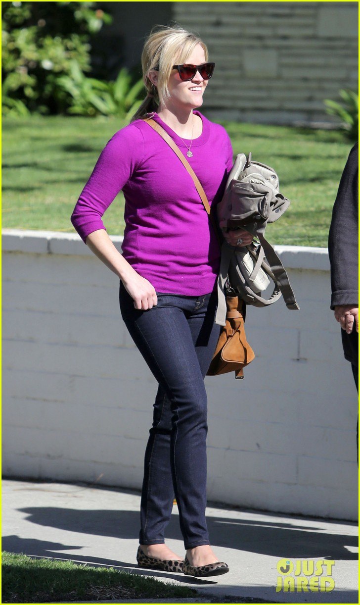 resse witherspoon full family outing 032828095