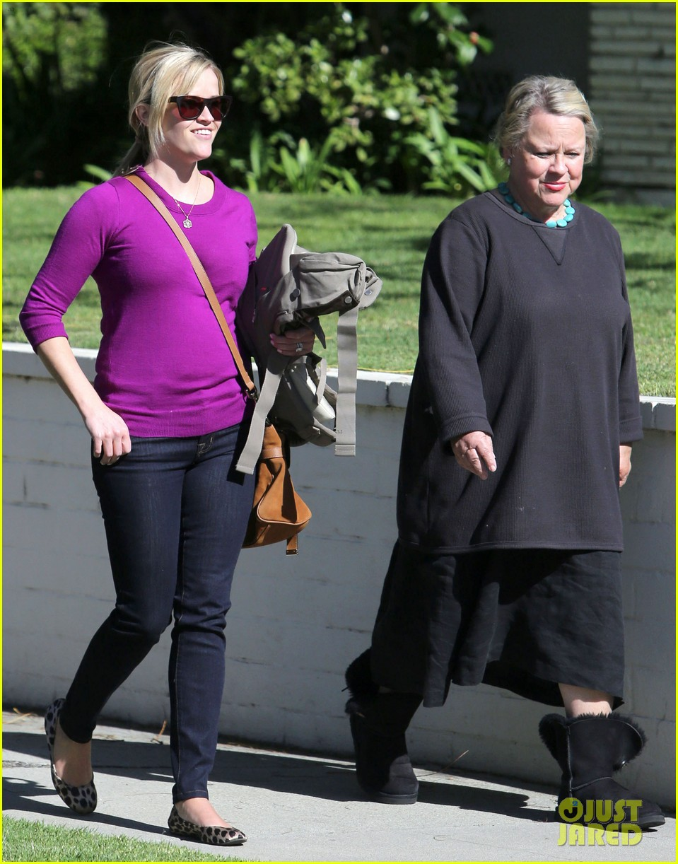 resse witherspoon full family outing 13