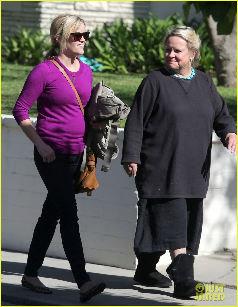 resse witherspoon full family outing 142828106