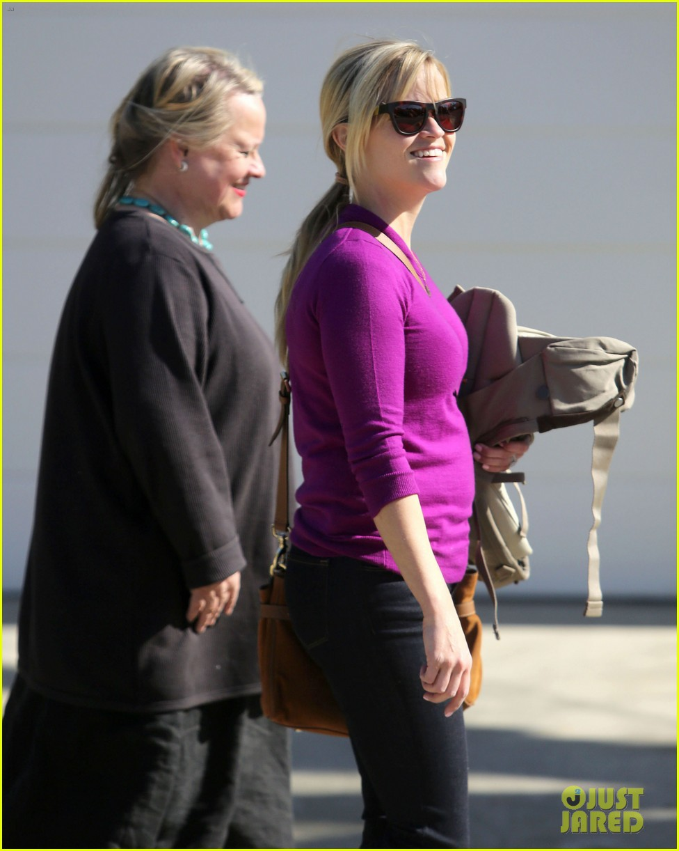 resse witherspoon full family outing 152828107