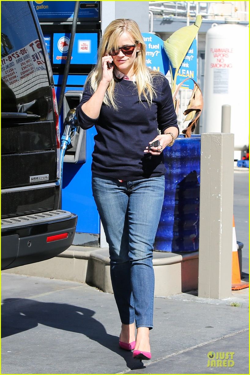 reese witherspoon aviator nation gym stop 122830751